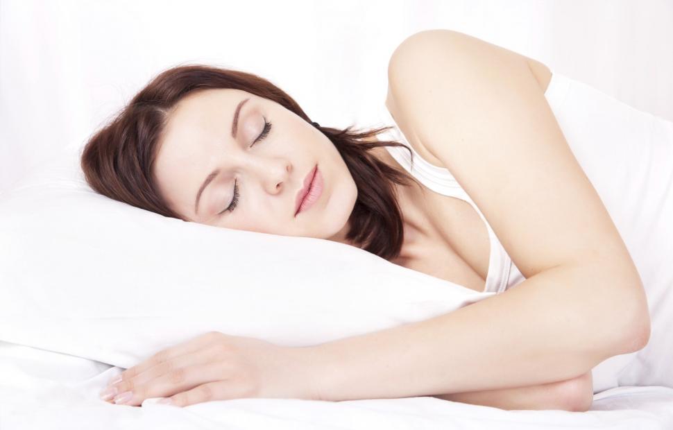 dormir depois almoco faz bem